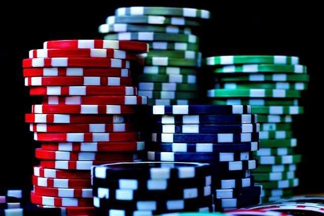 poker chips pilas